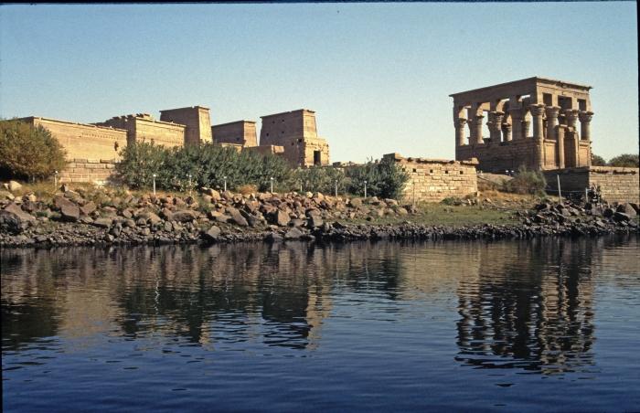 Der Tempel Philae steht …