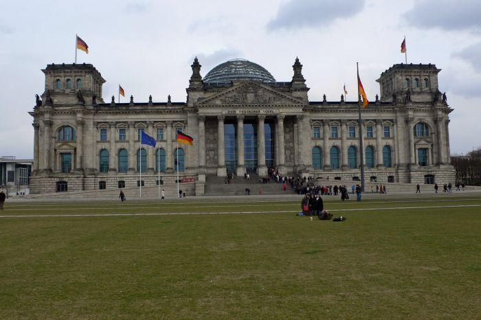 Der Reichstag, seit 1999 …