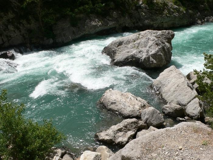 Der reisende Fluß gibt uns …