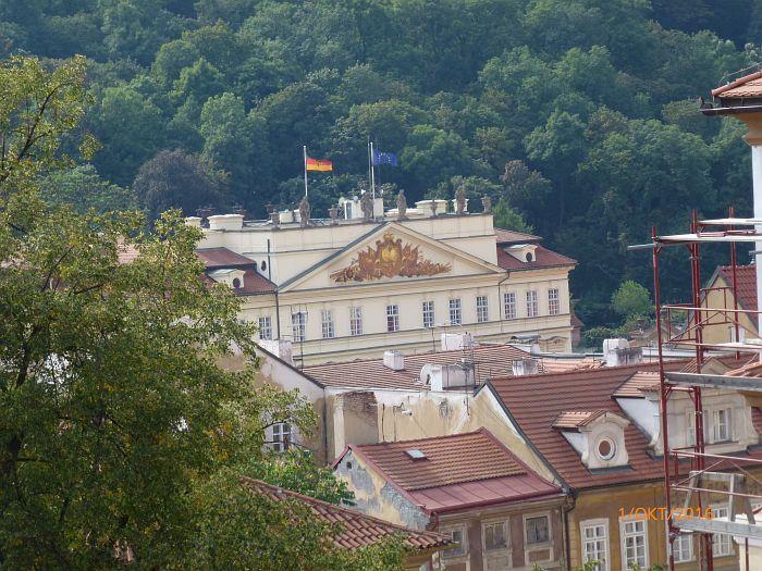 Die Deutsche Botschaft 1989 …